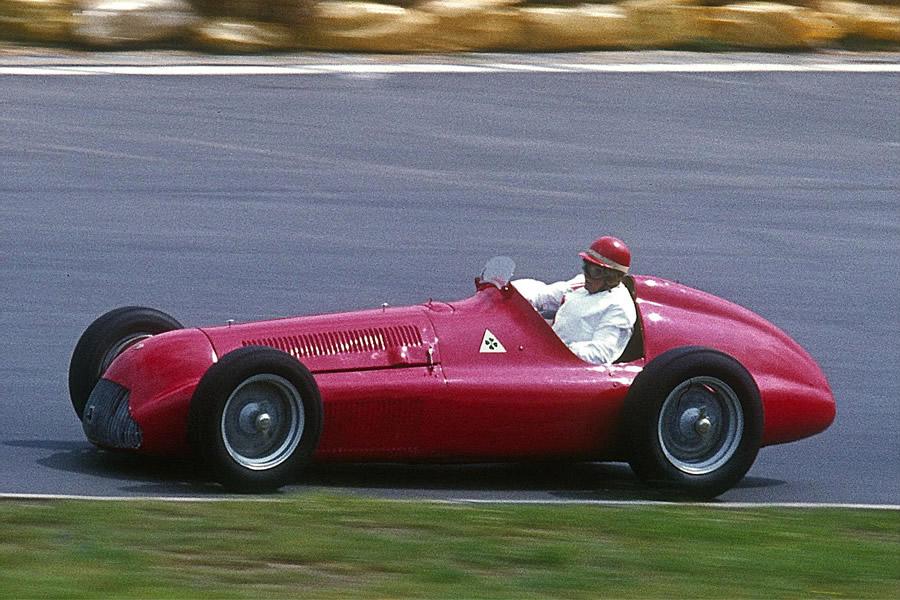 Alfa Romeo Alfetta 158: A máquina dos três F