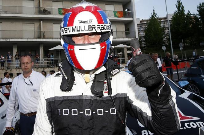 Acidente elimina 10 carros e Muller vence primeira corrida em Vila Real