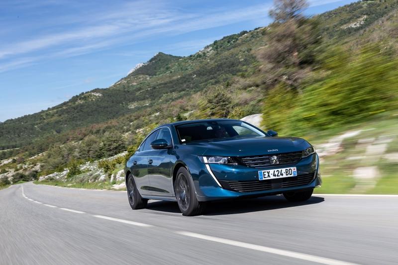 Um novo Peugeot a dar nas vistas no Mónaco