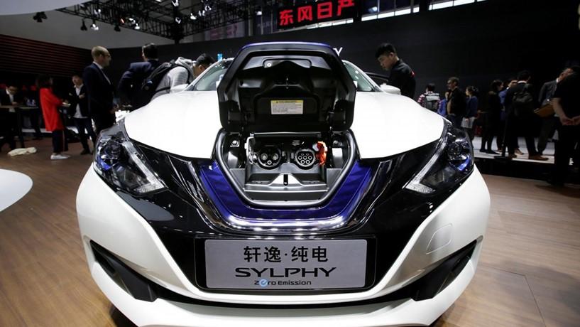 Nissan já produz primeiros carros eléctricos destinados à China