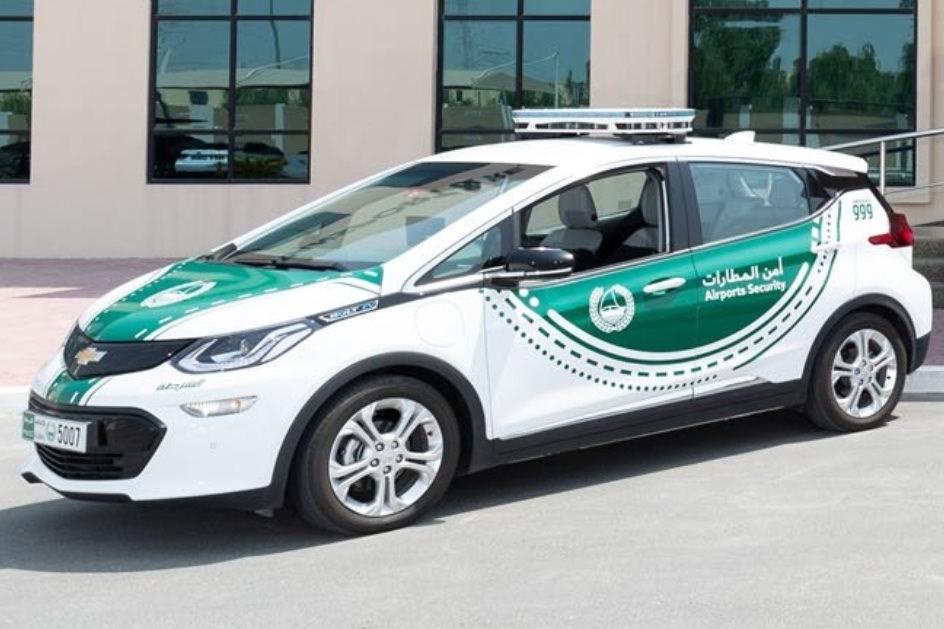 Há oito Chevrolet Bolt EV no meio das 'bombas' da Polícia do Dubai