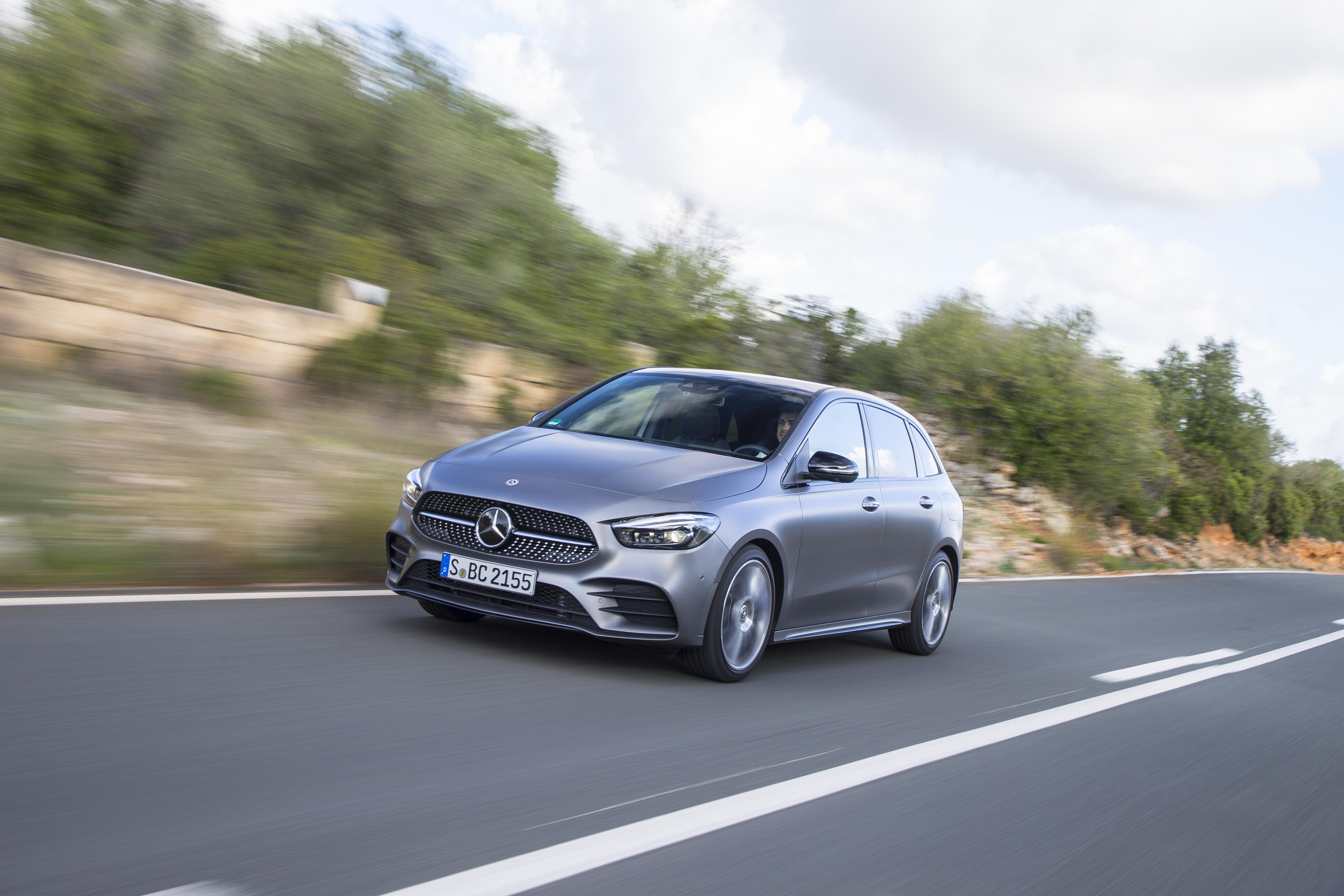 Mercedes Classe B chega a Portugal em fevereiro a partir de 33.000€