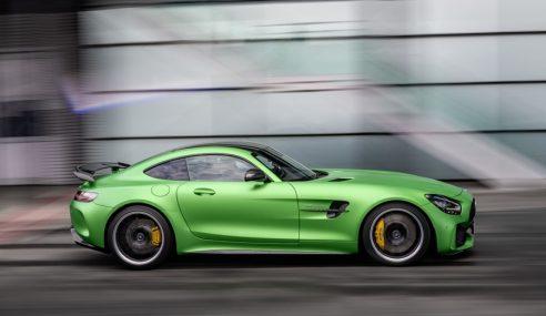 Mercedes AMG GT renovado e com versão R Pro