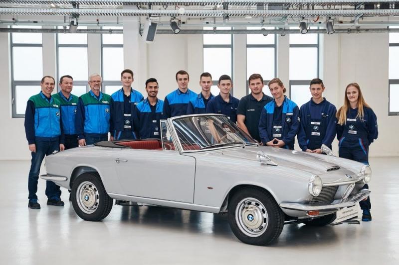 BMW transporta clássico de 1967 para o presente