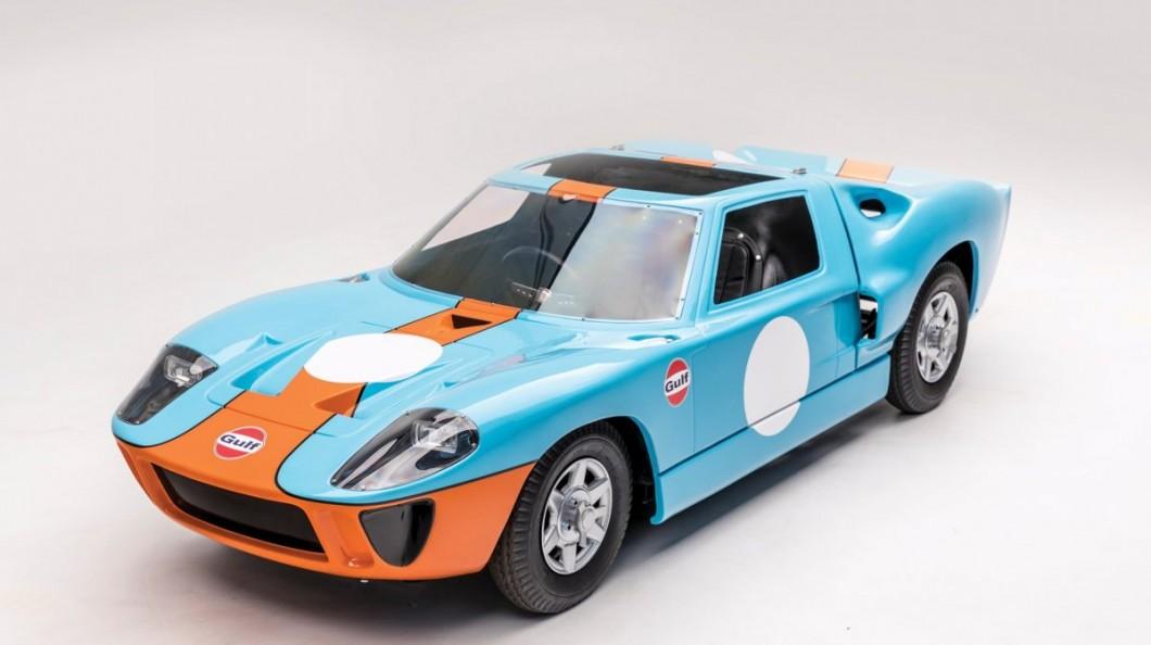 Este pequeno Ford GT40 é um brinquedo só para colecionadores
