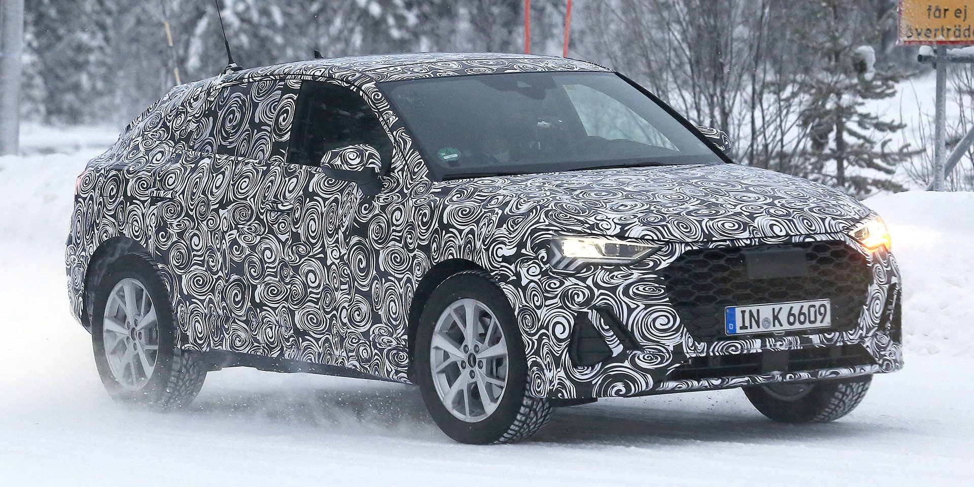 """Audi """"destapa"""" o Q4 durante testes de inverno"""