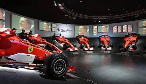 Ferrari expõe F1 de Schumacher. Herói ou vilão?