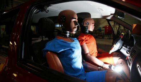 Volvo abre arquivo de 40 anos de pesquisa sobre acidentes