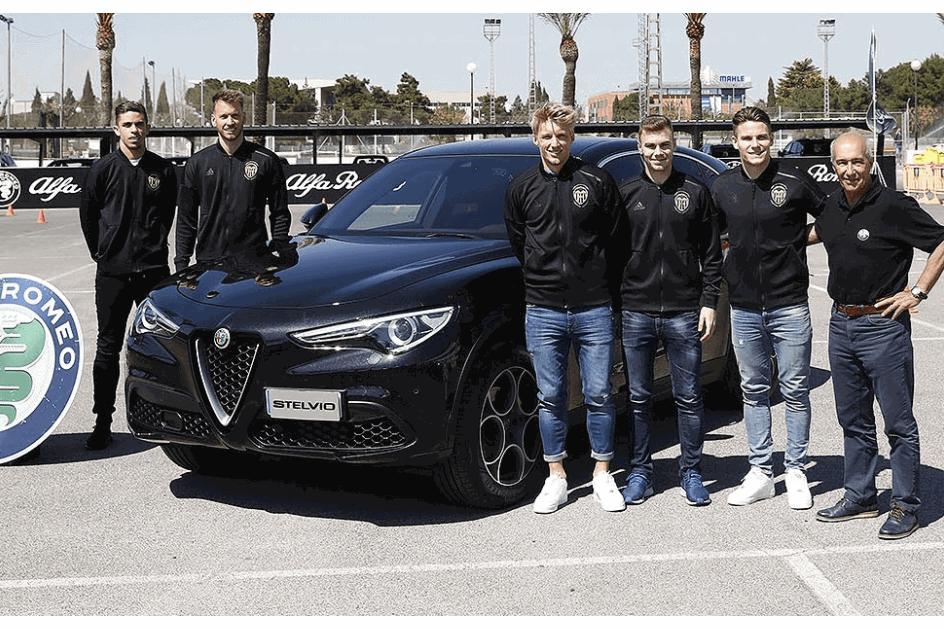 Jogadores do Valencia receberam novos Alfa