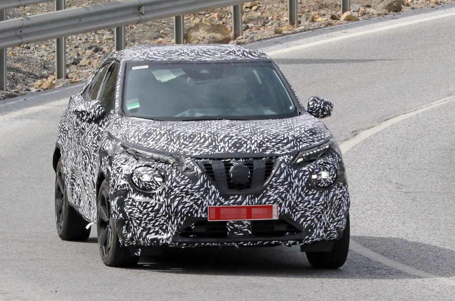 """Novo Nissan Juke aparece mais """"leve"""" de camuflagem"""