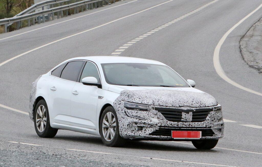 Renault Talisman vai conhecer atualização de meio de ciclo em 2020