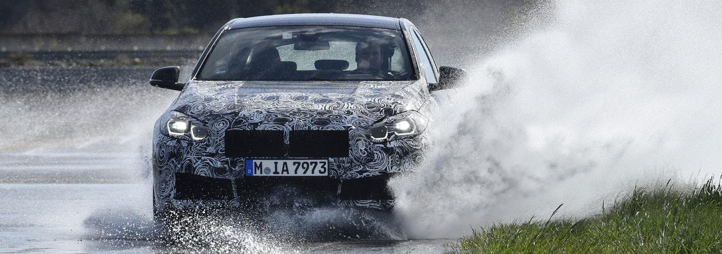 Últimos testes do BMW Série 1 M135i xDrive apresentados