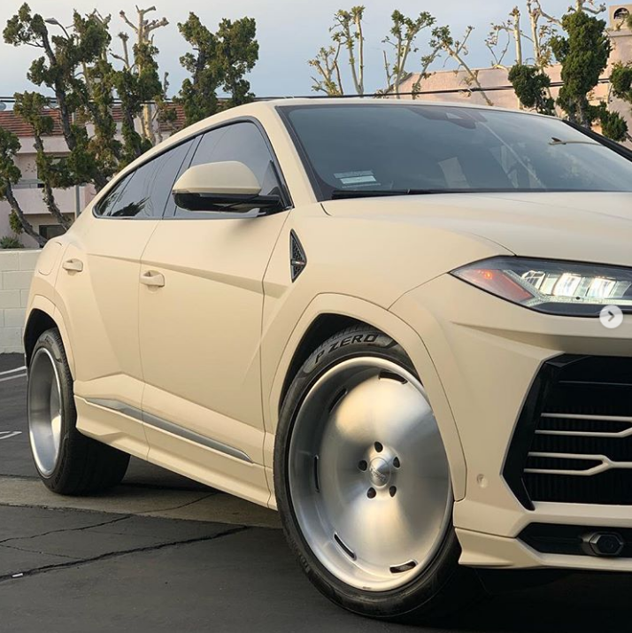 Lamborghini de Kanye West é… diferente.