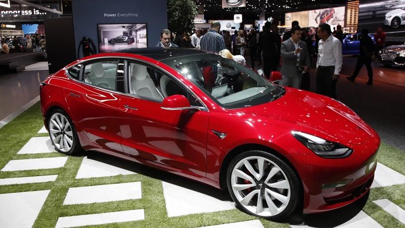 Tesla bate recordes de vendas com o Model 3