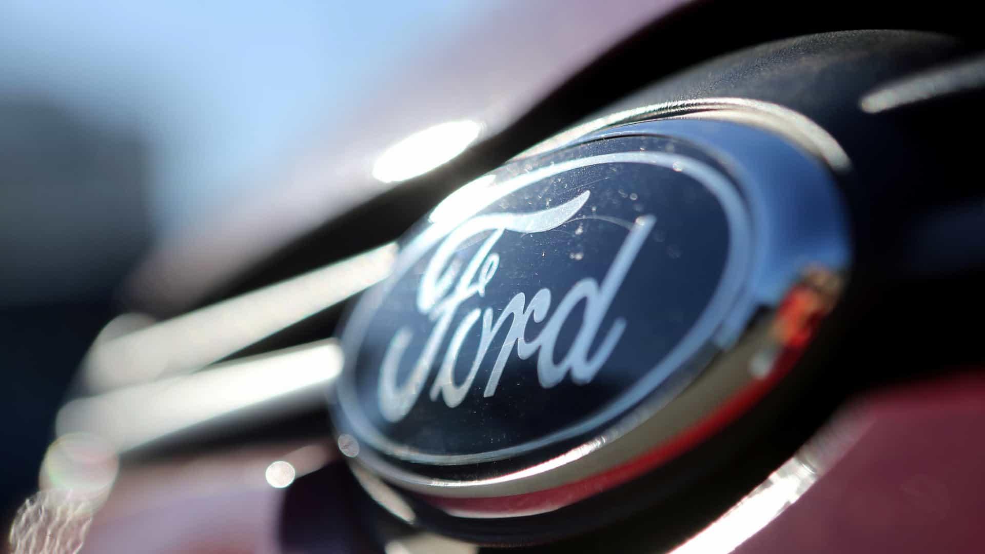 Ford reduz atividade na Rússia